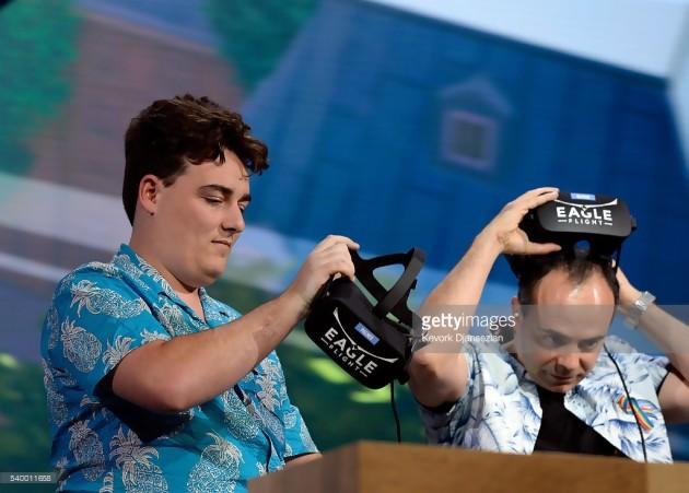 Palmer Luckey, le créateur de l'Oculus Rift, sur la scène d'Ubisoft à l'E3 2016, sa dernière apparition publique