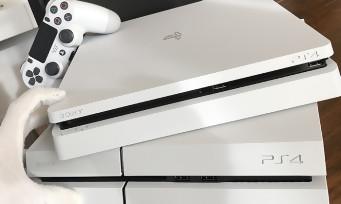 PS4 Slim : notre unboxing du modèle blanc Glacier White