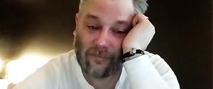 GOD OF WAR : Cory Barlog qui pleure en voyant les notes Metacritic