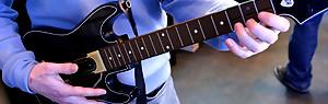Guitar Hero Live : découvrez la nouvelle guitare en pleine action