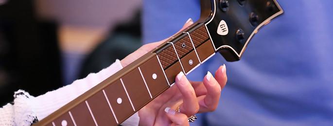 Guitar Hero Live : on a testé la nouvelle guitare