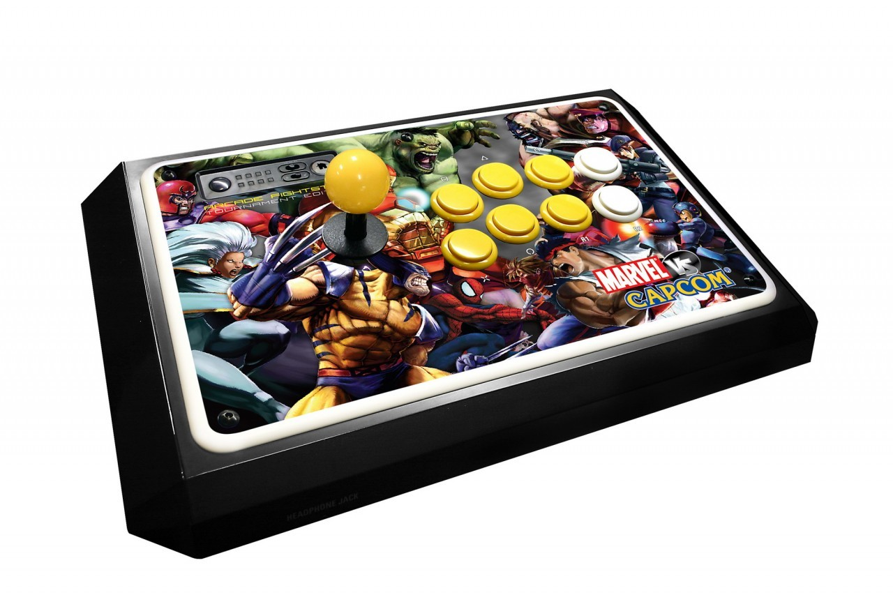 Un stick griffé Marvel VS. Capcom 2
