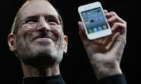 Steve Jobs, le 7 juin 2010, au moment de l'annonce de l'iPhone 4 en coloris blanc.