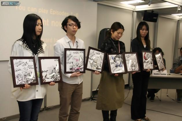 Deux artworks dessinés par l'illustrateur d'Asura's Wrath nous sont offerts sur place