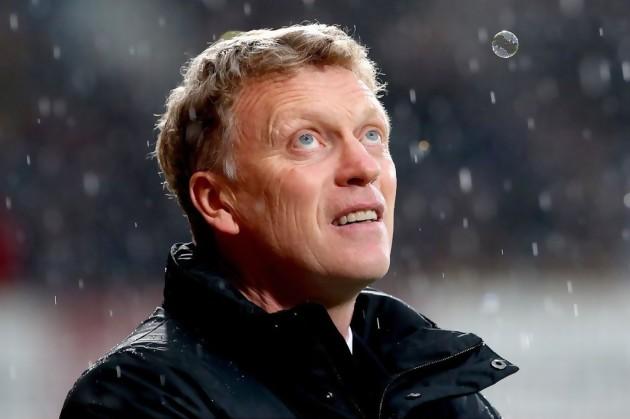 David Moyes, le coach de Manchester United, qui semble réaliser que le temps se gâte pour lui...