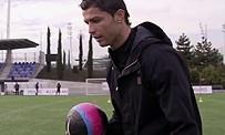 PES 2013 : Cristiano Ronaldo joue au foot avec ses fans